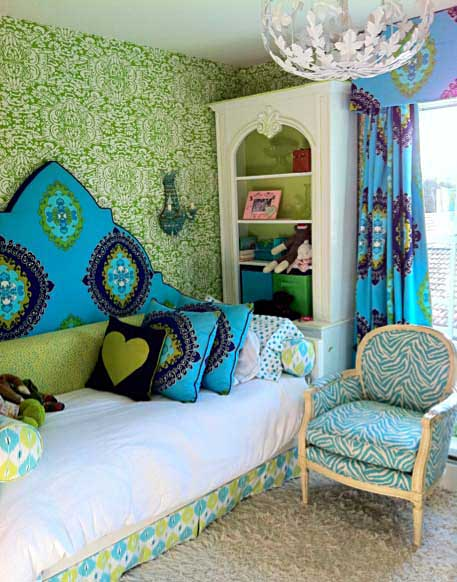 Blue And Green Should Be Seen Twoinspiredesign