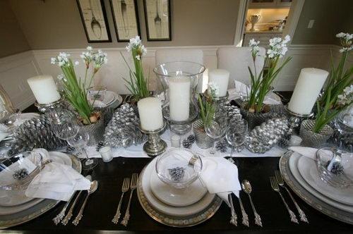 Paperwhites table setting | twoinspiredesign